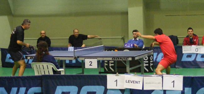 Masa Tenisi Büyükler Ligi devam ediyor