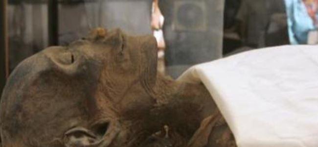 Mısır'da Firavun Mumyası Bulundu