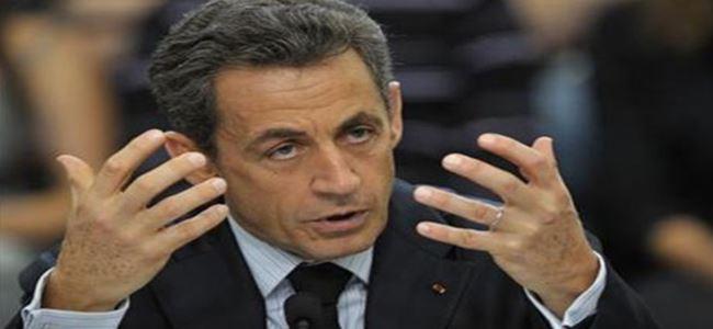 Sarkozy'ye siyasete dönüş yolu açıldı