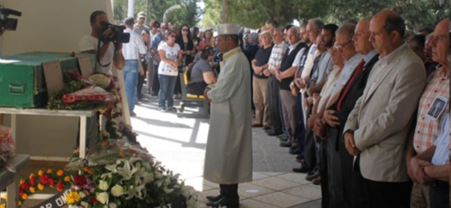Gazeteci, Şair, Tarihçi, Yazar Hakeri Toprağa Verildi