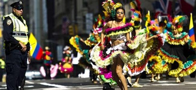 İspanyollar New York Sokaklarını Karnavala Çevirdi