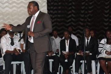 Afrikalı Misyoner Kızılbaş Kilisesi'nde Konferans Verdi