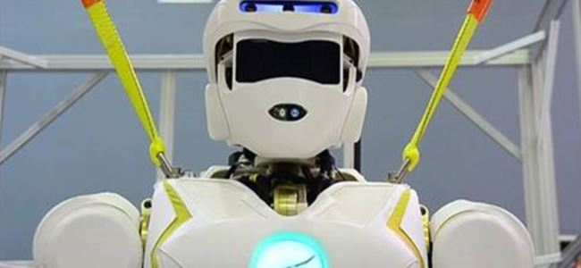NASA'dan 1.90'lık insansı robot