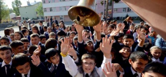 72 BİN 198 öğrenci için okul zili çaldı