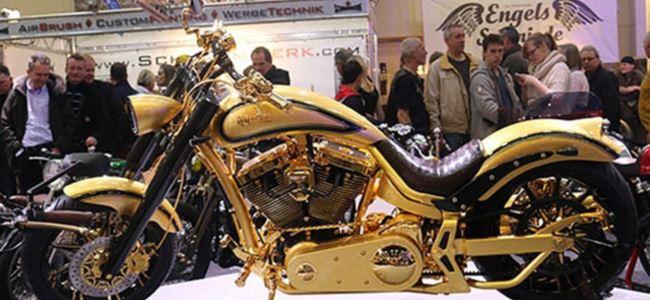 Altın ve elmastan motosiklet
