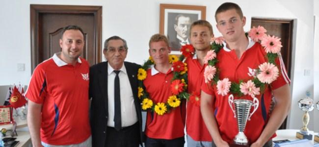 GAÜ, Türkiye üçüncüsü