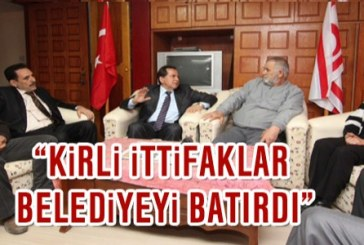 """Fellahoğlu: """"Kirli ittifaklar belediyeyi batırdı"""""""