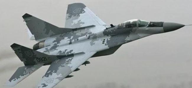 Photo of Polonya'da savaş uçağı düştü
