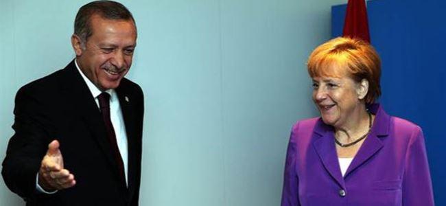 Photo of Giousouf: Erdoğan Merkel'den özür dilemeli