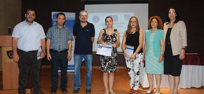 Katılımcı öğretmenler sertifikalarını aldılar