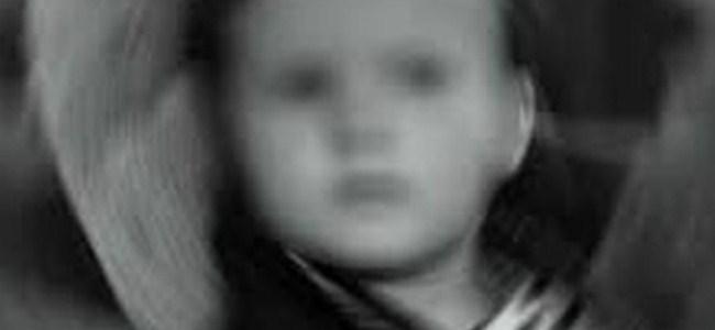 Arabada unutulan çocuk öldü