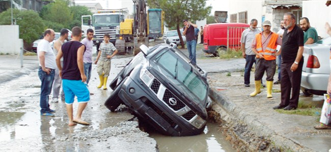 Lefkoşa'da yağmur kabus oldu