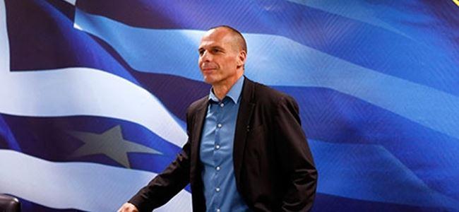 Yunanistan Maliye Bakanı Paris'e acil gidiyor