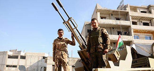 Kobani'de iki Ezidi savaşçı