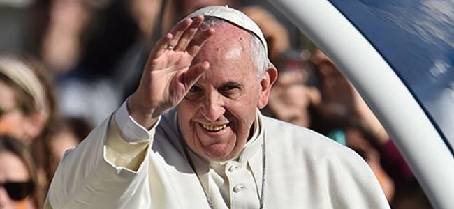 Papa Franciscus Playboy dergisine konu oldu