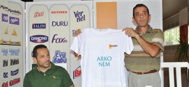 """Triatlona """"sponsor"""" dopingi"""
