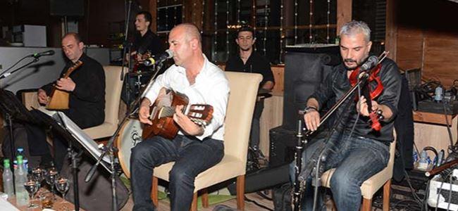 Boğaz'da müzik ve kebap keyfi
