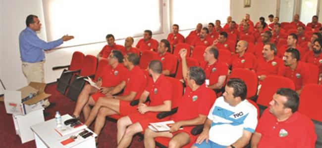 UEFA Pro Lisans'ta  48 hoca terliyor