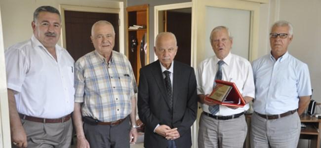 Gazeteciler Cemiyeti'nden Özer Hatay'a onur plaketi