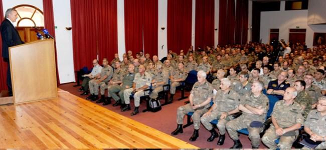 Rumlar yarı profesyonel askerliği tartışıyor
