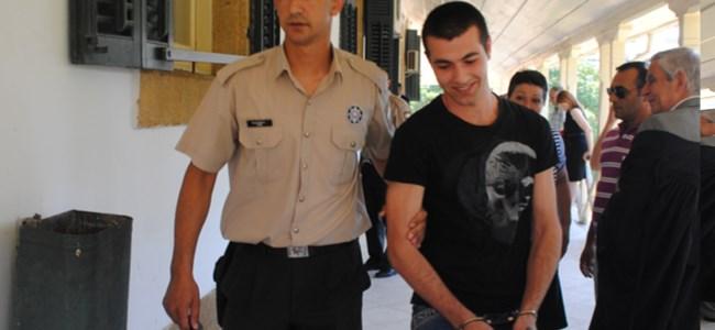 Kelesidis, 15 ay hapse mahkum edildi