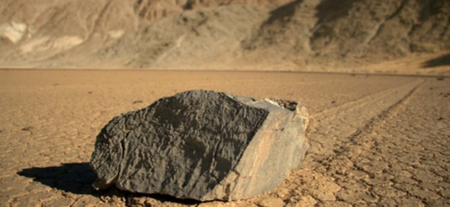 Yürüyen Taşların Sırrı Çözüldü