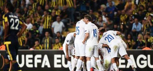 Fenerbahçe'ye ders gibi darbe!