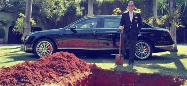 Lüks arabasını mezara gömmek isteyen adamın gerçek amacı...