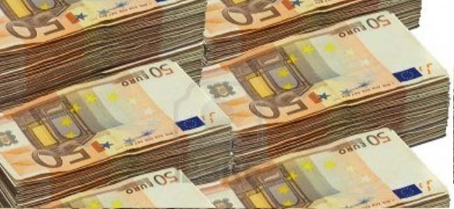 Euro Bölgesi Yunanistan'ın Kredi Dilimini Onayladı