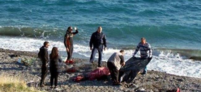 Ege'de sığınmacı botu battı: 9 ölü
