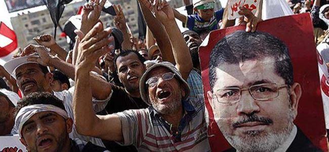 Mursi Taraftarları, Gösterilerini Sürdürüyor