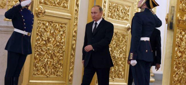 Putin neden kovboy gibi yürüyor?