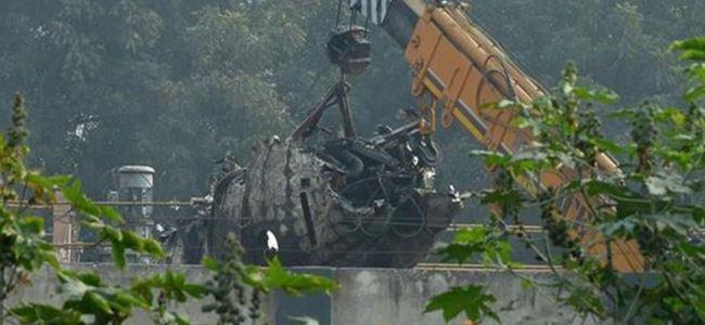 Hindistan'da küçük uçak düştü: 10 ölü