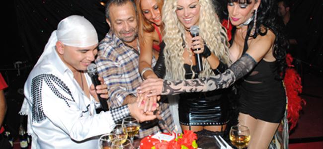 Demet doğum gününü kutladı