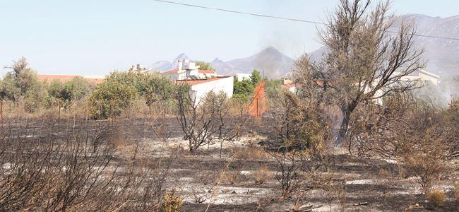 Girne'de korkutan yangın