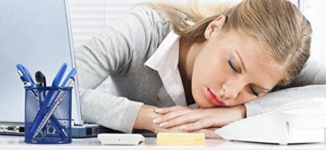 Geçmeyen yorgunluk neyin belirtisi?