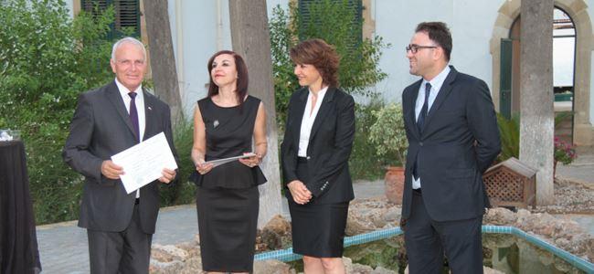 Lefkoşa'da milletvekilleri mazbatalarını aldı