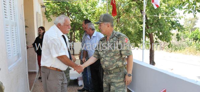 Tümgeneral Kavun, Gemikonağı Muhtarı'nı onurlandırdı