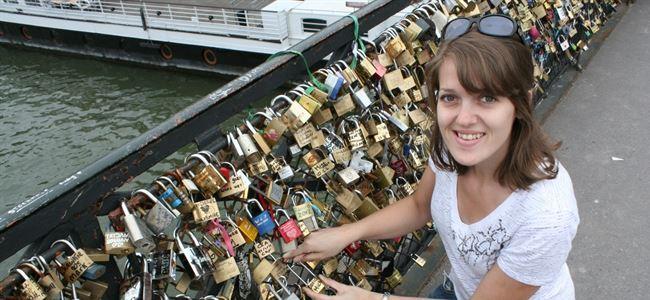 Aşklarını köprüye kilitliyorlar