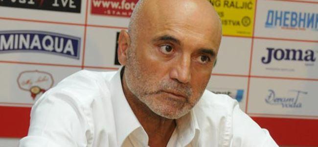 Bursaspor Hikmet Karaman'ı gönderdi