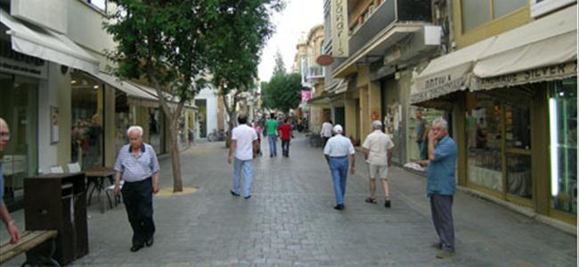 Güney Kıbrıs, Yunanistan'ın yolunda