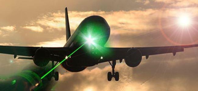 Uçağa Lazer Tuttu, Tutuklandı