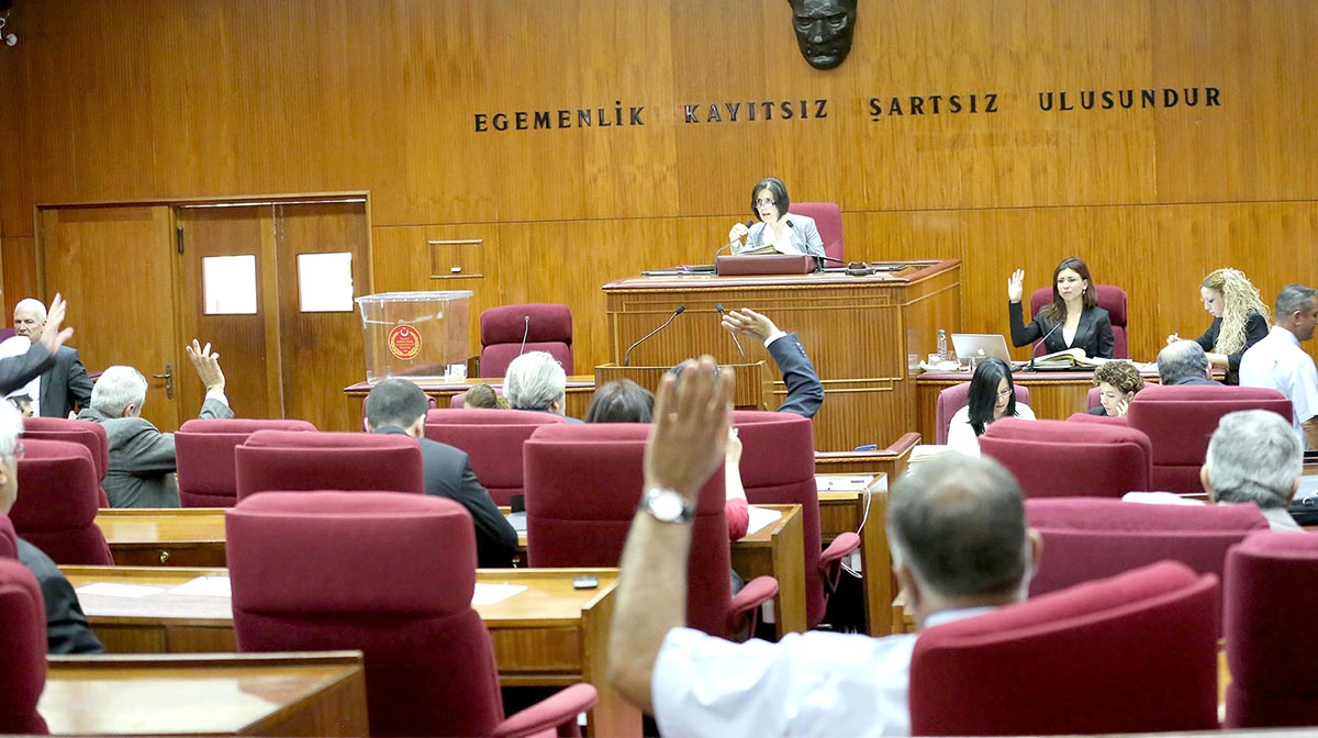 Photo of Tek seçim bölgesi Meclis'ten geçti