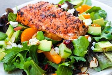 Yaz mevsimi için ideal: Somonlu Salata