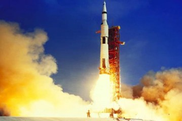 Apollo 11'in Ay'a iniş yönergeleri satıldı