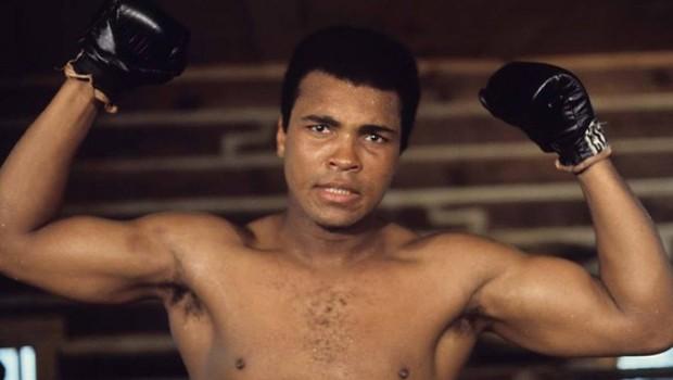 Photo of Efsane Muhammed Ali'ye büyük ayıp!