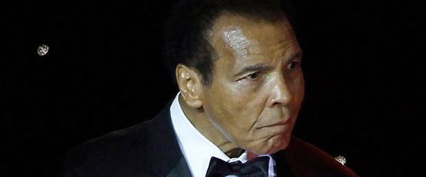 Photo of Muhammed Ali hastaneye kaldırıldı