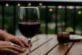 Bir eylül akşamı… Bir kadeh şarap