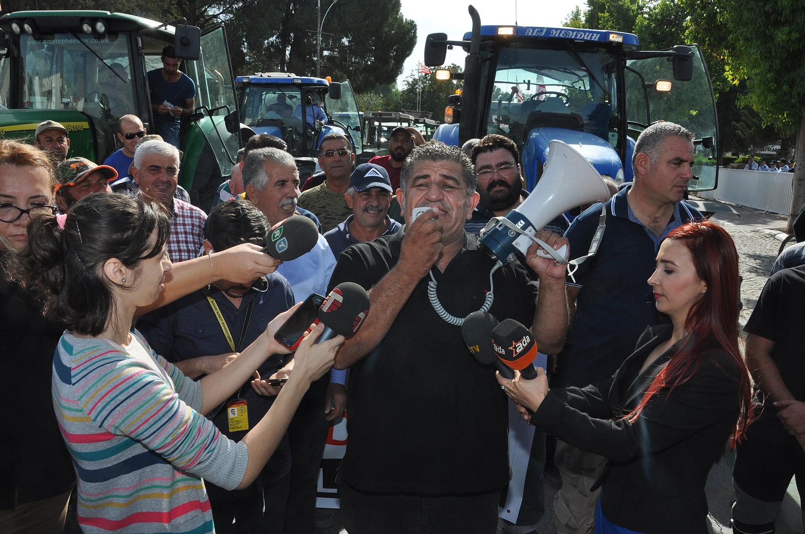 Photo of Hayvan üreticilerinin eylemi devam ediyor