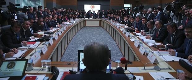 Anayasa değişiklik teklifi kabul edildi